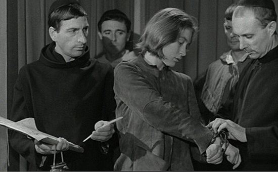 Robert Bresson, The Trial of Joan of Arc [Procès de Jeanne d'Arc],1962 Film still © Robert Bresson out of: Jean-Michel Frodon and Agnès Devictor, Religious Films Are Always Political, 2016 Film installation with 16 excerpts of 13 movies.