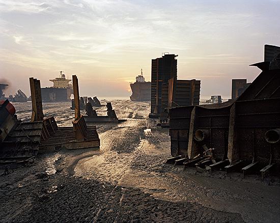 "Edward Burtynsky, ""Shipbreaking #13"", Chittagong, Bangladesh, 2000. From Burtynskys Oil series. © 2016 Edward Burtynsky, courtesy Nicholas Metivier Gallery, Toronto"