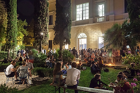 ill.1: Open Studios at Villa Romana, September 2016; photo: Ilan Zarantonelo, OKNO studio